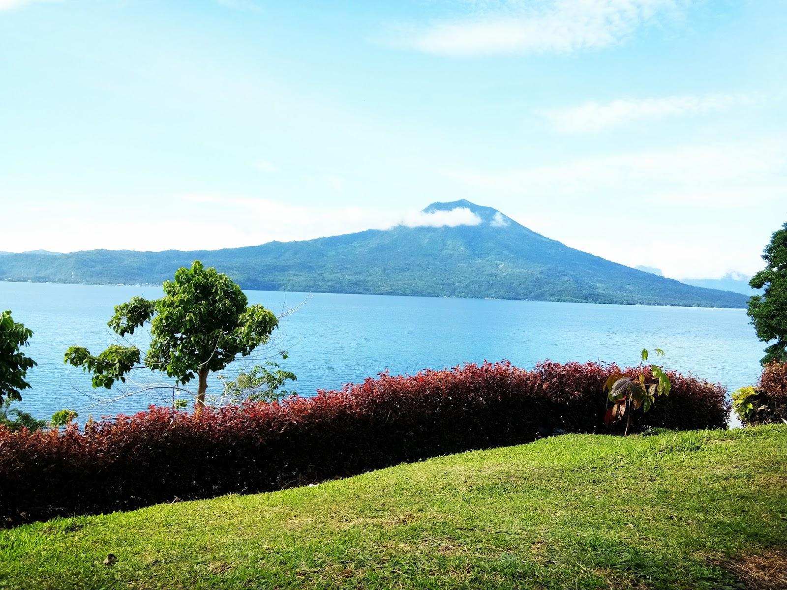 Pondok Cerita Murni Oktarina: Danau Ranau, Objek Wisata Kebanggaan