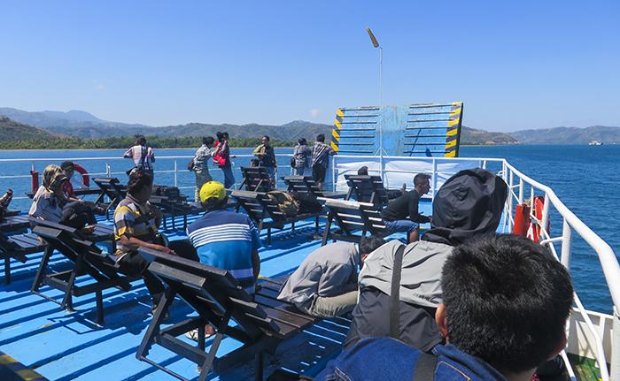 Dek Kapal Feri Menuju Lombok