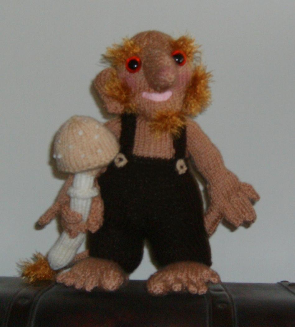 Knitting Addict  HAND KNITTED TROLL 6739fcdcfb2