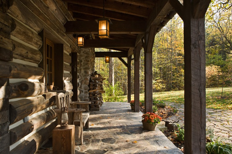 The little living blog rustic ontario log cabin for Log home porches
