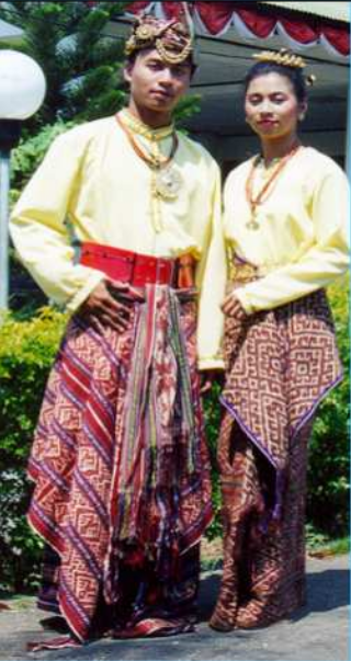 Fashion Pakaian Adat Nusa Tenggara Timur NTT