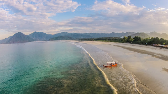 Panorama keindahan Pantai di Lombok NTB