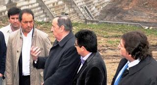 El hecho se produjo el 10 de enero de 2008 cuando Scioli organizó un encuentro con intendentes radicales en Tandil. Por entonces, el ex motonauta había asumido hacía apenas un mes el cargo de gobernador y había expectación en los intendentes de la UCR por el diálogo que podría iniciarse.
