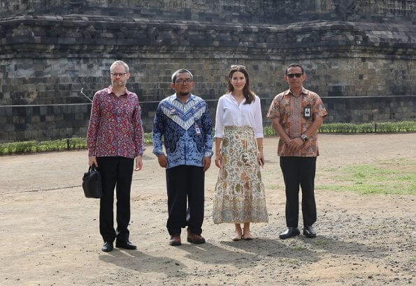 Crown Princess Mary visited Borobudur temple. Borobudur, or Barabudur is a Mahayana Buddhist temple in Magelang Regency