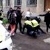 В Кременчуге  женщины пытались «отбить» у полиции нарушителя (Видео)