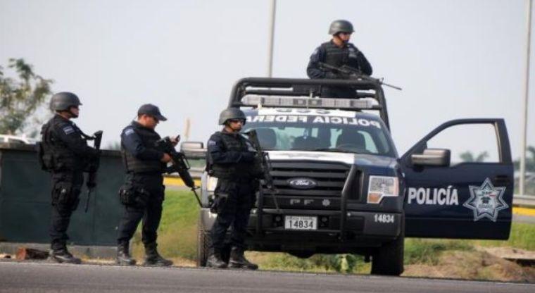 """""""Levantan"""" a 2 hombres y una mujer en Escuinapa"""