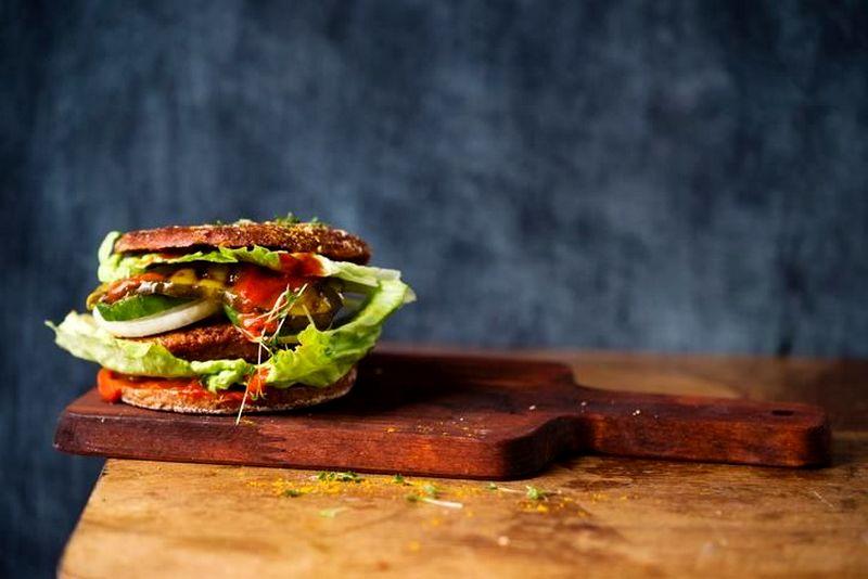Burger vegetarian (detik.com)