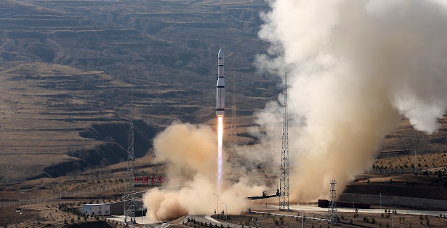 long march 6 launches a trio of jilin 1 earth observing satellites into orbit