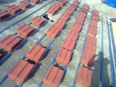 Colocaci n de tejas mixtas en tejados nuevos y for Cuanto cuesta un caballete