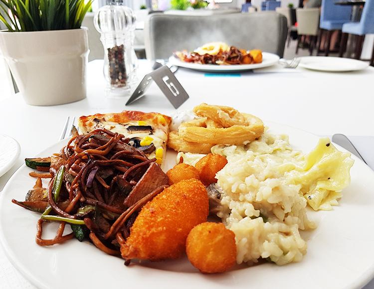 Repas de midi - buffet