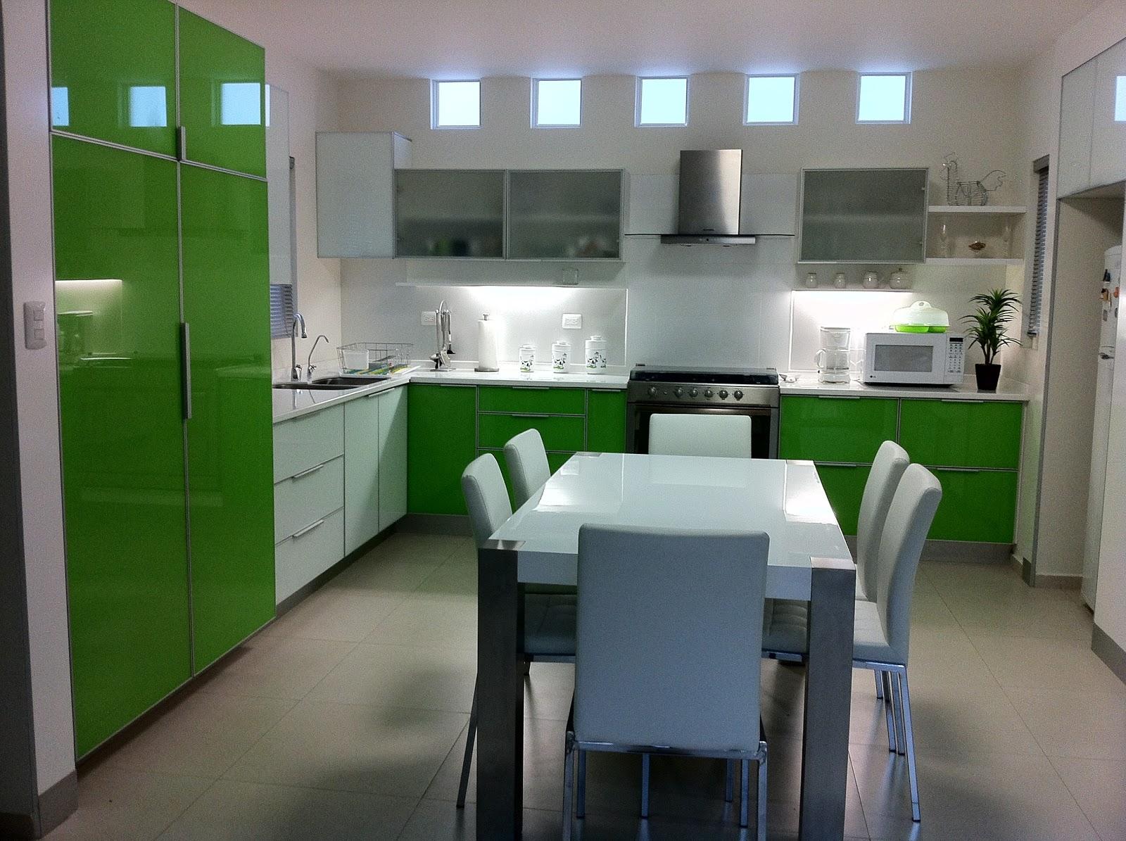 Heynez cocinas modernas for Cocina moderna de color