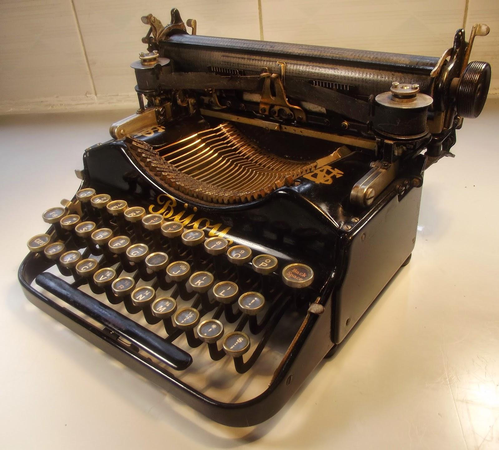 typewriter egypt