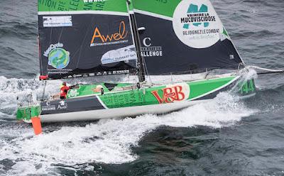 V and B, class40 de Maxime Sorel, est entré en collision avec un cargo. Le skipper abandonne The Transat.