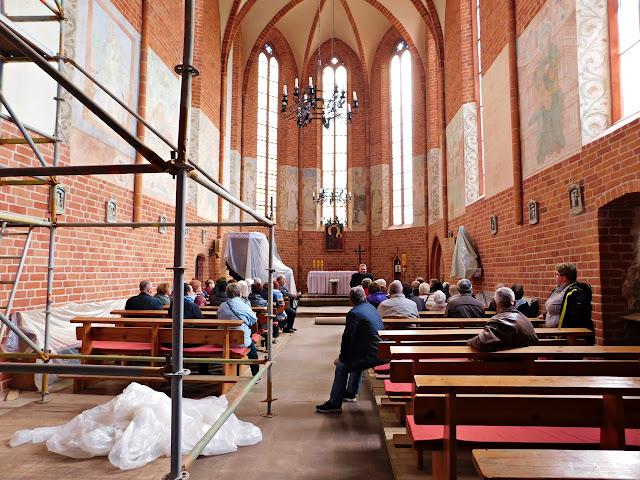 kaplica, chwarszczany, kościół, obraz, ławki, droga krzyżowa, remont