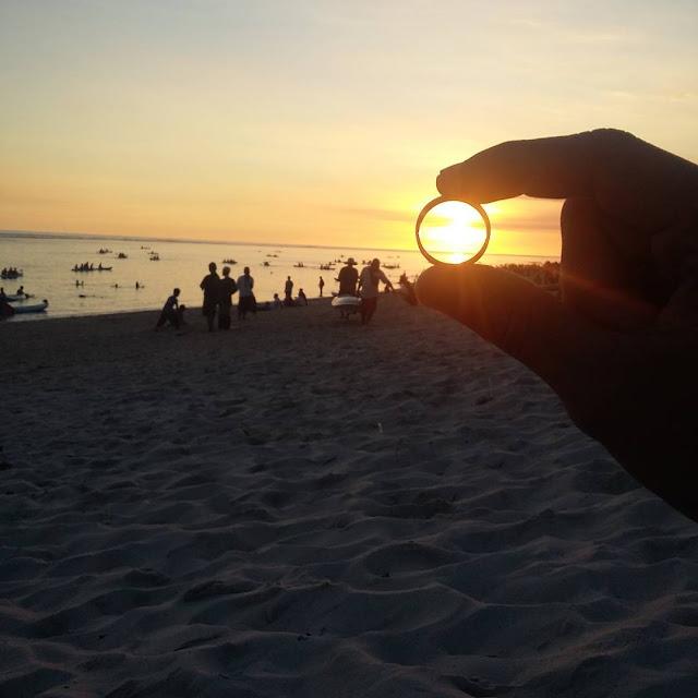 foto sunset di pantai pandawa
