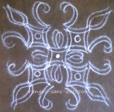 small-double-stroke-kolam-25a.jpg
