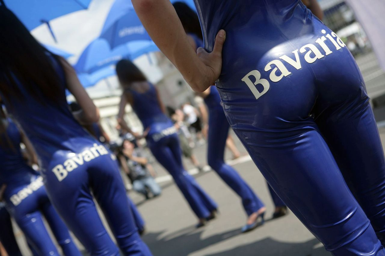 New China Girl Wallpaper Grid Girls Bavaria Moscow City Racing Event Autooonline