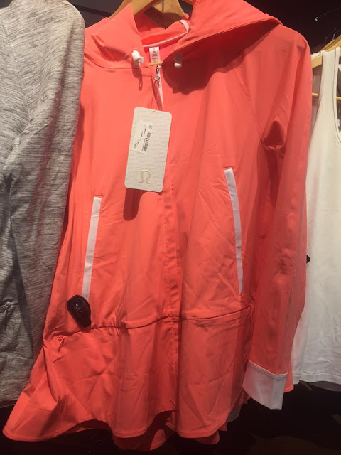 lululemon-sun-showers-jacket