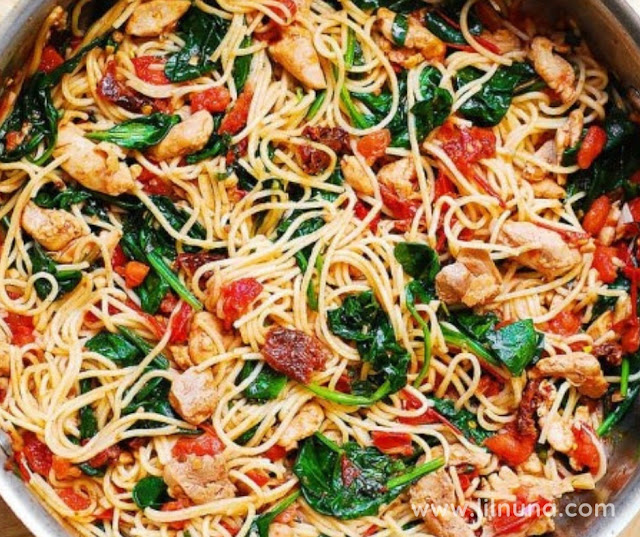 CHICKEN SPAGHETTI SPINACH TASTY TOMATOES