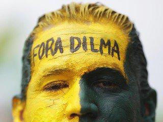 Dia de protestos contra a Presidente Dilma Rousseff no Brasil