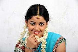 anu upadhyaya hot half saree photoshoot