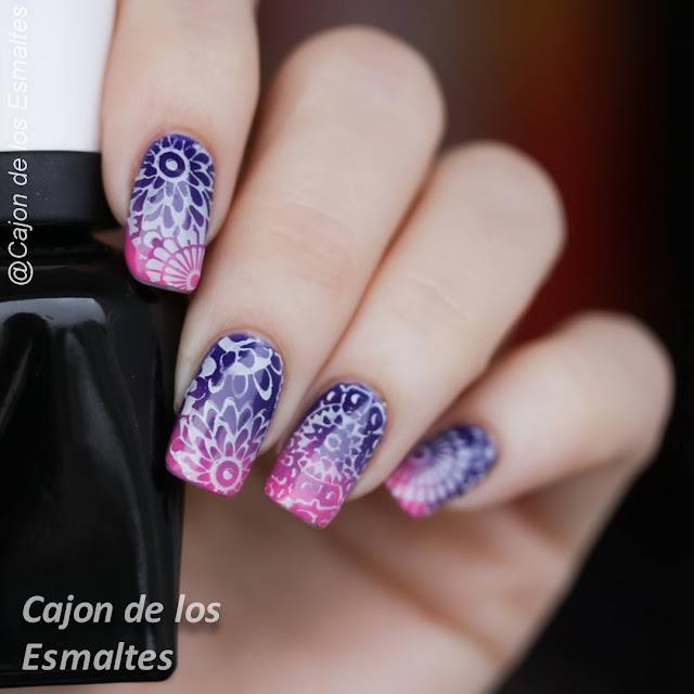 Diseños de mandalas para uñas