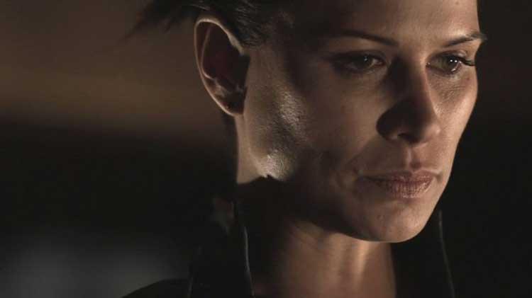"""Kiva (Rhona Mitra) in SGU's """"Subversion"""""""