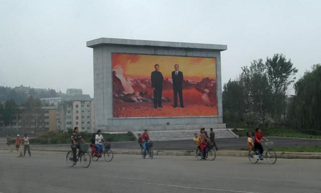 Сбежавшие из страны северокорейцы рассказали о жизни в КНДР