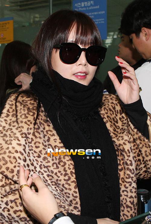 http://3.bp.blogspot.com/-U47jTXnFAAM/UJxmpISG41I/AAAAAAAAcF8/MuHbkMBDWZg/s1600/t-ara+going+to+japan+airport+pictures++(14).jpg