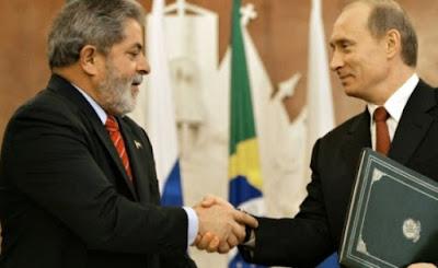 Petistas aconselharam Lula a pedir asilo à Rússia, diz coluna