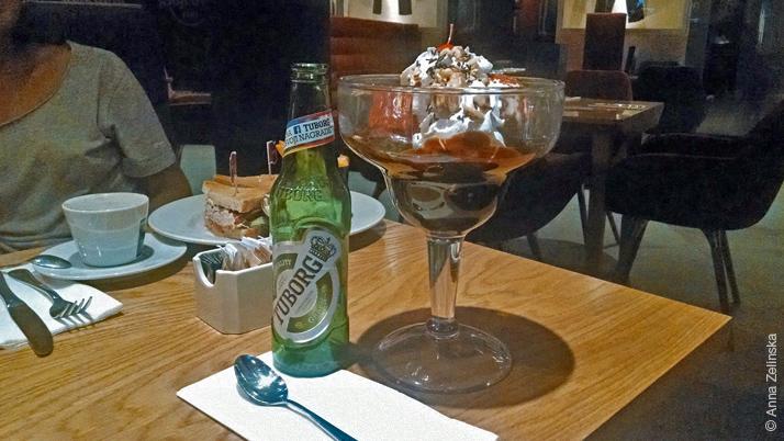 Десерт в Hard Rock Cafe, Черногория