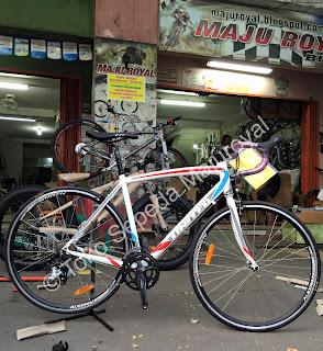 Sepeda Balap United Inertia