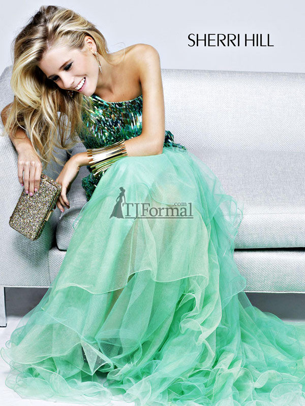 8a8fa3facf Top 10 Tips for Shopping for a Prom Dress Online