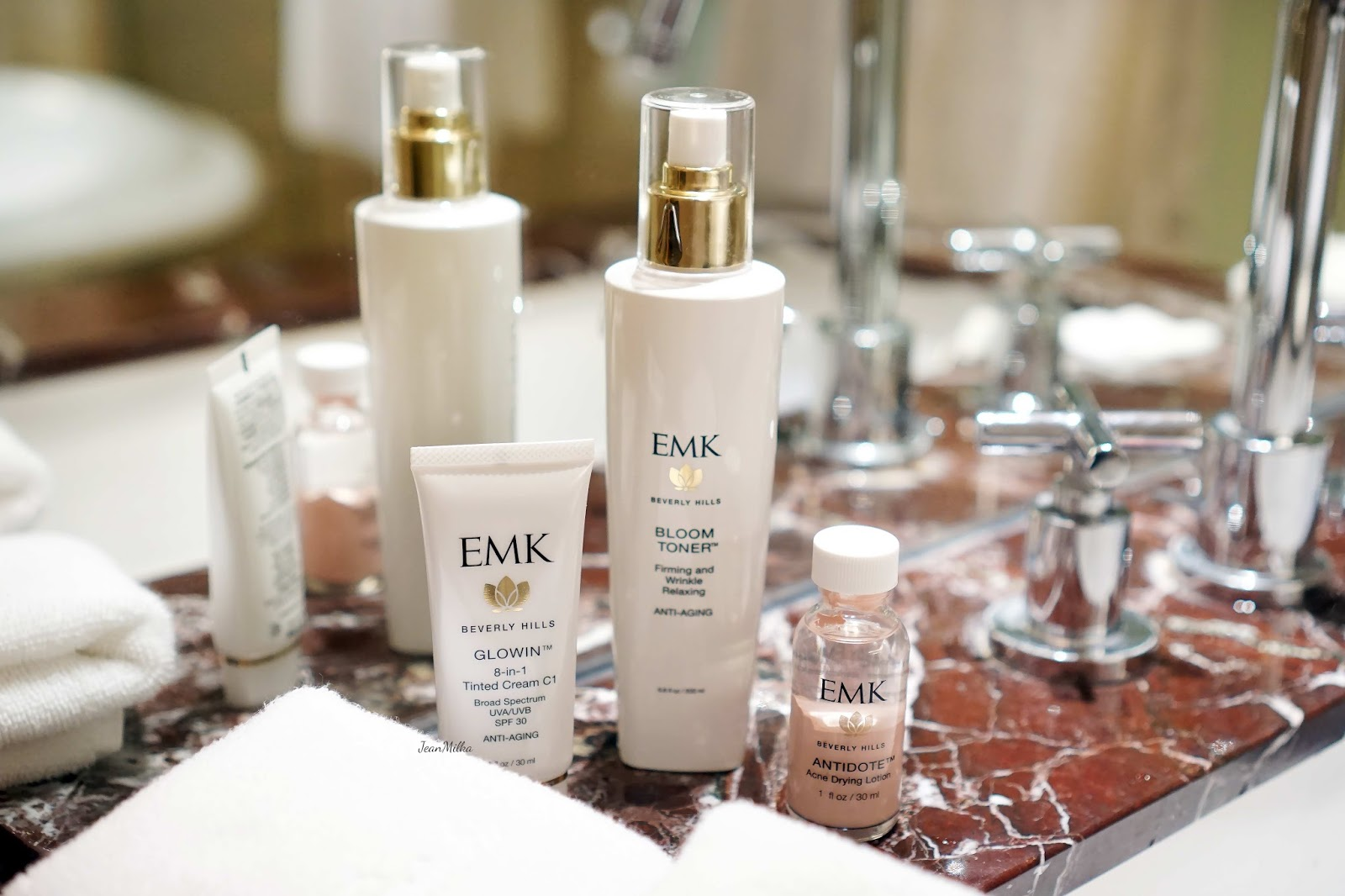 emk, emk beverly hills, review emk beverly hills, emk beverly hills skincare, skicare, review, product review, acne skincare, kulit berjerawat