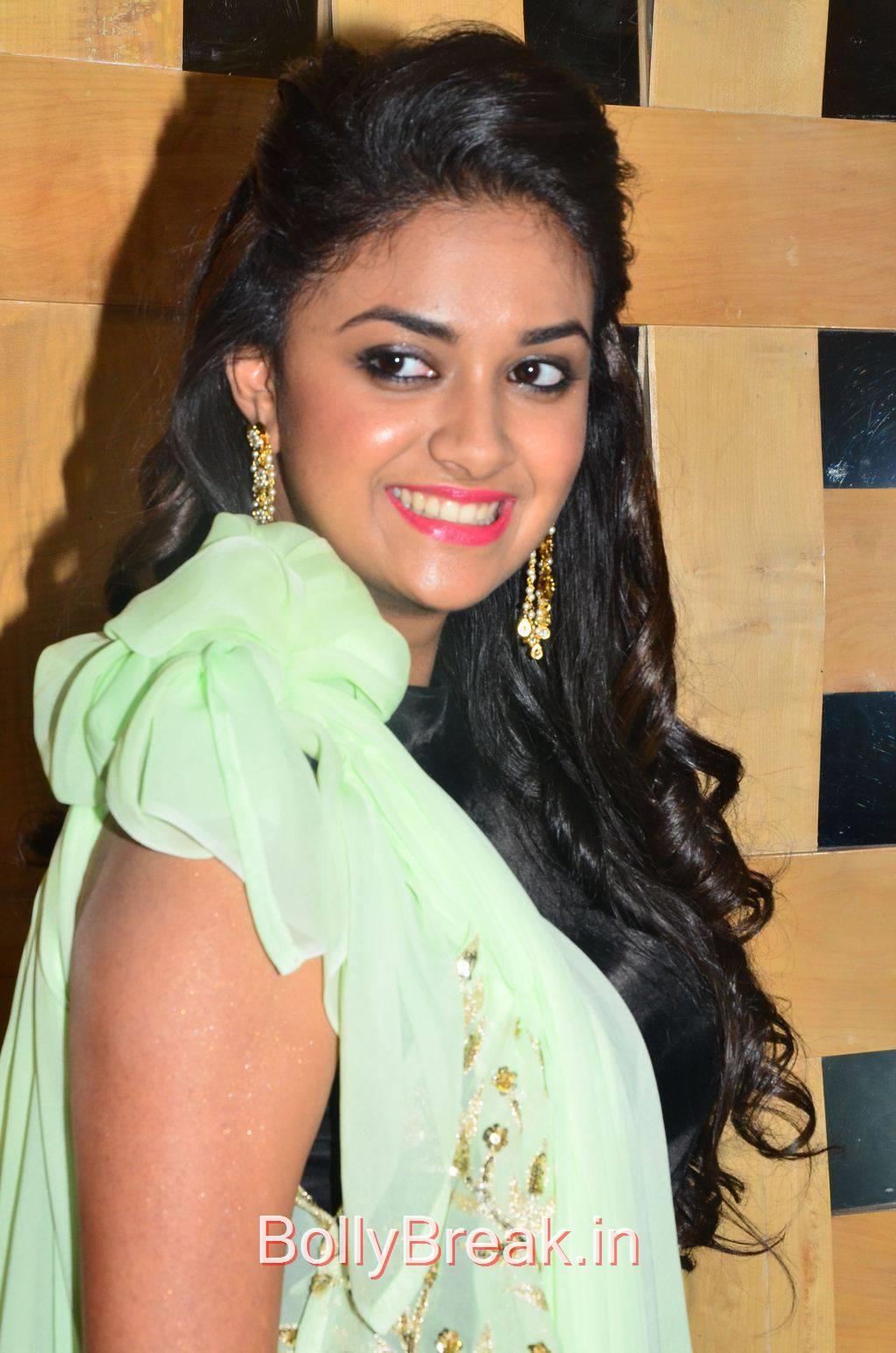Keerthi Suresh Stills, Hot HD Pics of Suresh from Idhu Enna Maayam Movie Audio Launch
