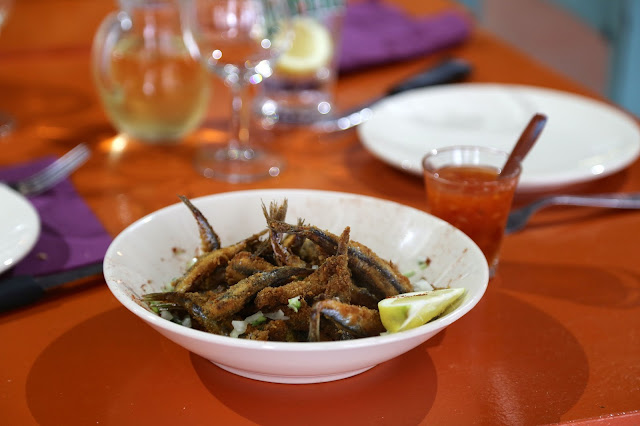Fried anchovies, L'entennoir, Sète market, languedoc, france