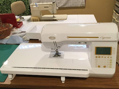 Newsy Stuff: Quilts, New Sewing Machine, Shibas, and Books