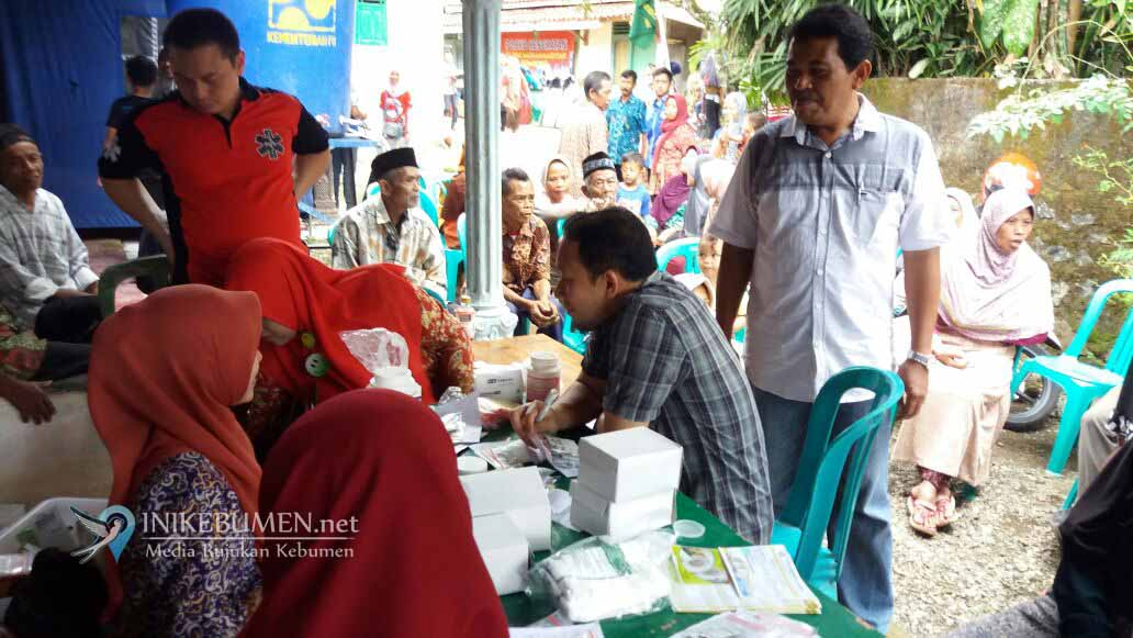 300 Warga Ginandong Mendapatkan Pengobatan Gratis