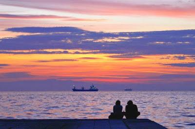 Ν. Λυγερός: Πέρα από το ηλιοβασίλεμα