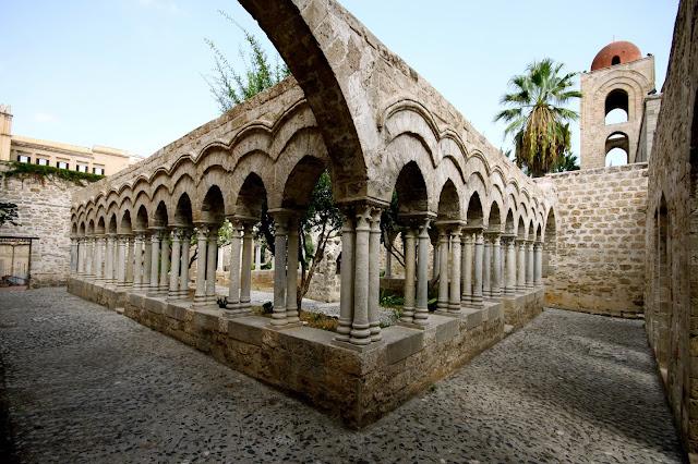 chiesa-san-giovanni-degli-eremiti-palermo-poracciinviaggio