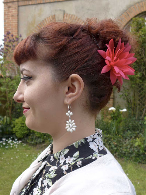 coiffure pin up fleurs