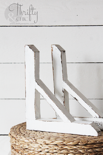 diy farmhouse style wood corbels. DIY corbels. Farmhouse decor and decorating ideas