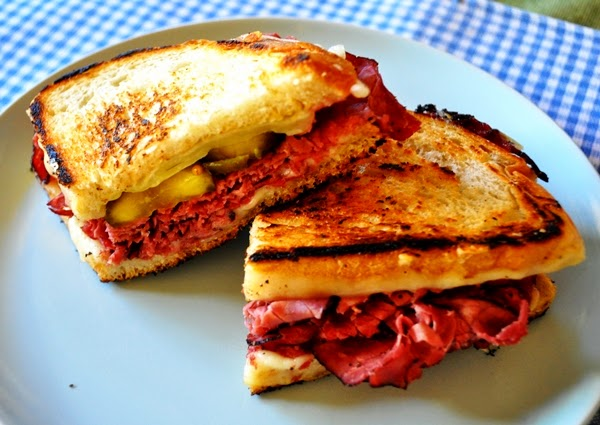 http://www.sheknows.com/food-and-recipes/articles/960311/tonights-dinner-cuban-grilled-cheese-sandwich-recipe