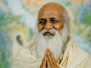 9. महर्षि महेश योगी (Mahrishi Mahesh yogi)