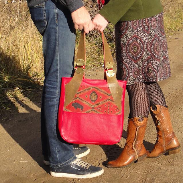 Красная сумка кожа: сумка с бизоном - ручная работа. Один экземпляр. Доставка почтой или курьером