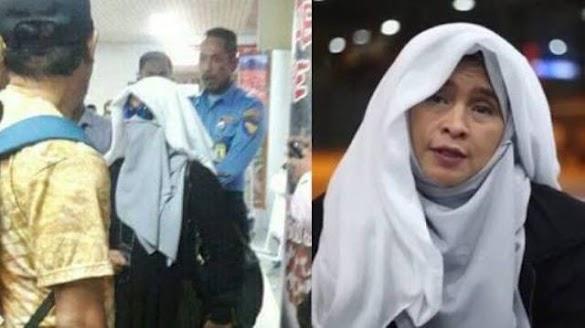 "16 Fakta ""Penyanderaan"" Neno Warisman di Bandara Hang Nadim Batam"