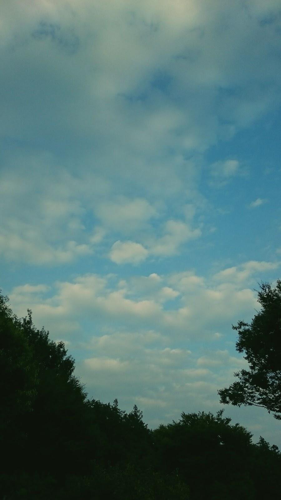 遠い雲の連なり