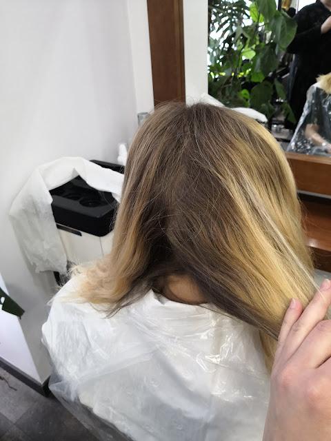 Szkolenie z blondów w Akademi L'Oreal Professionnel