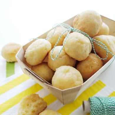 Gluten-Free Brazilian Appetizer Pão de Queijo Recipe