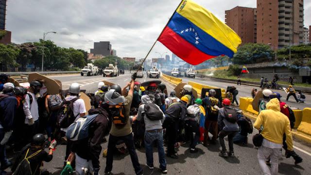 RESISTENCIA VENEZOLANA LLAMA A LAS CALLES PARA 'BOICOTEAR ELECCIONES'